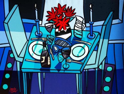 Tafel voor twee in blauw, met rode bloemen in zwart/witte vaas